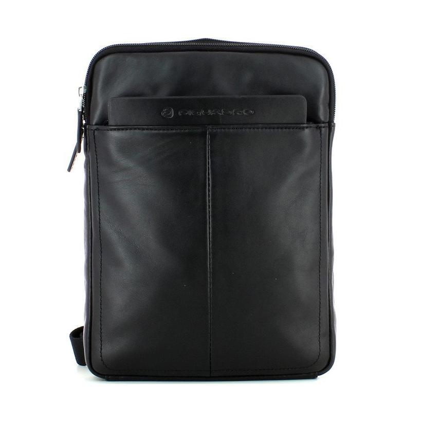 codice promozionale a18db ef4a9 compra online a sconto borsello piquadro in pelle nera | tracolla ...